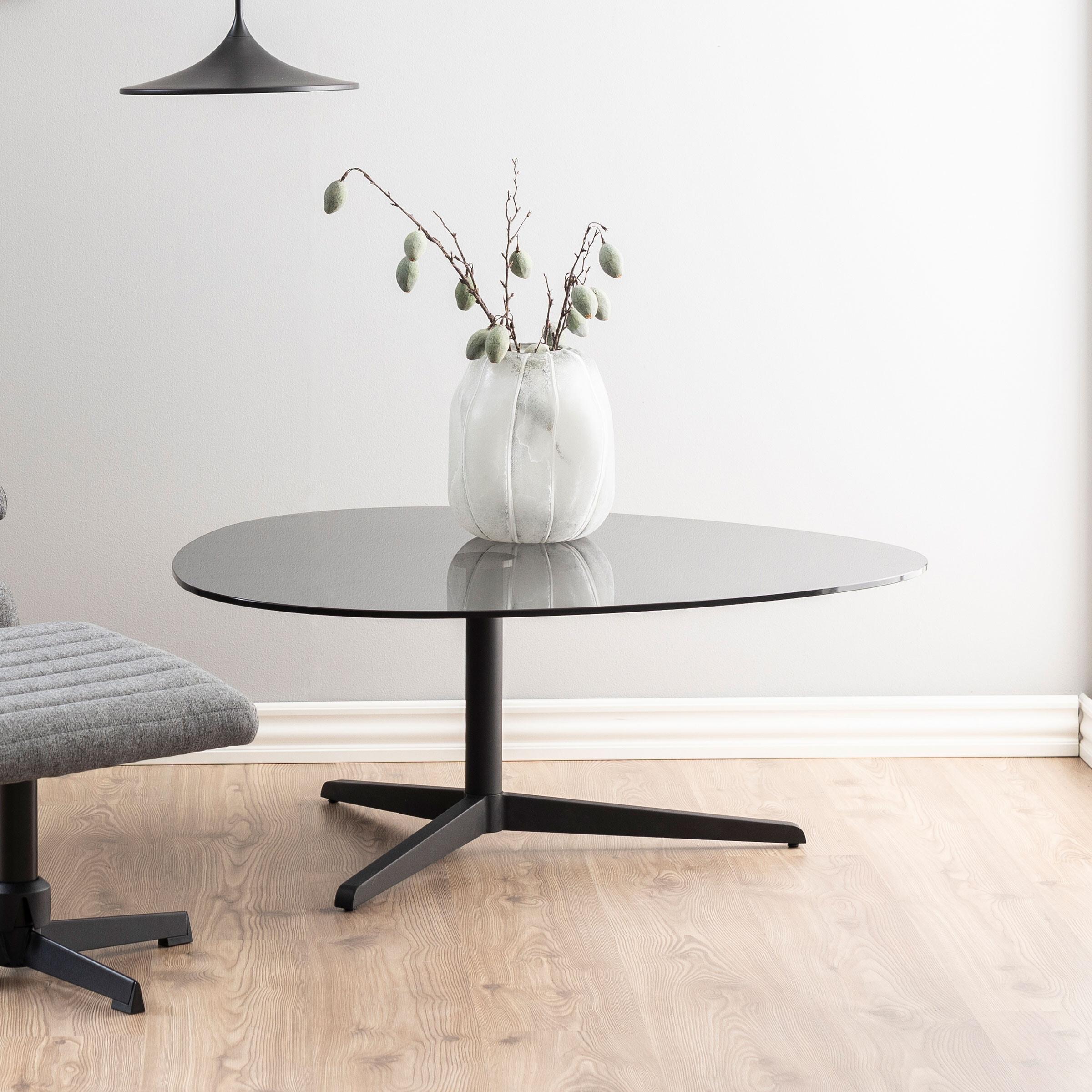 Bendt Glazen Salontafel 'Stephanie' 103 x 95cm, kleur zwart   Bendt