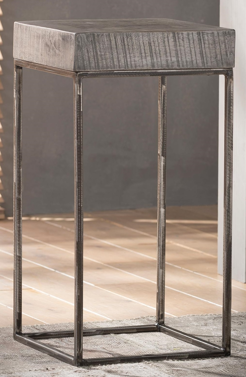 Bloemenzuil Iwan 70 cm hoog – Grijs Antiek | Zaloni